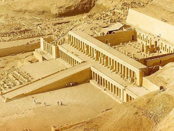 Design and Background of Hatshepsut Temple in Deir el Bahri