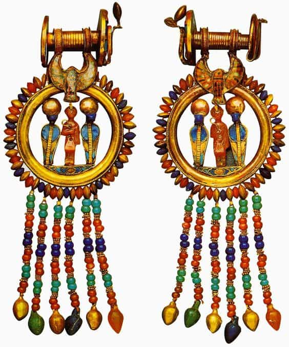 Photos of Lavish Pieces of ancient Egyptian jewelry