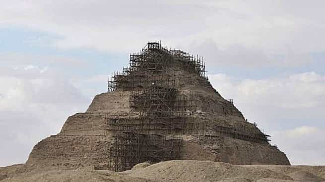 How were the Egyptian Pyramids built?