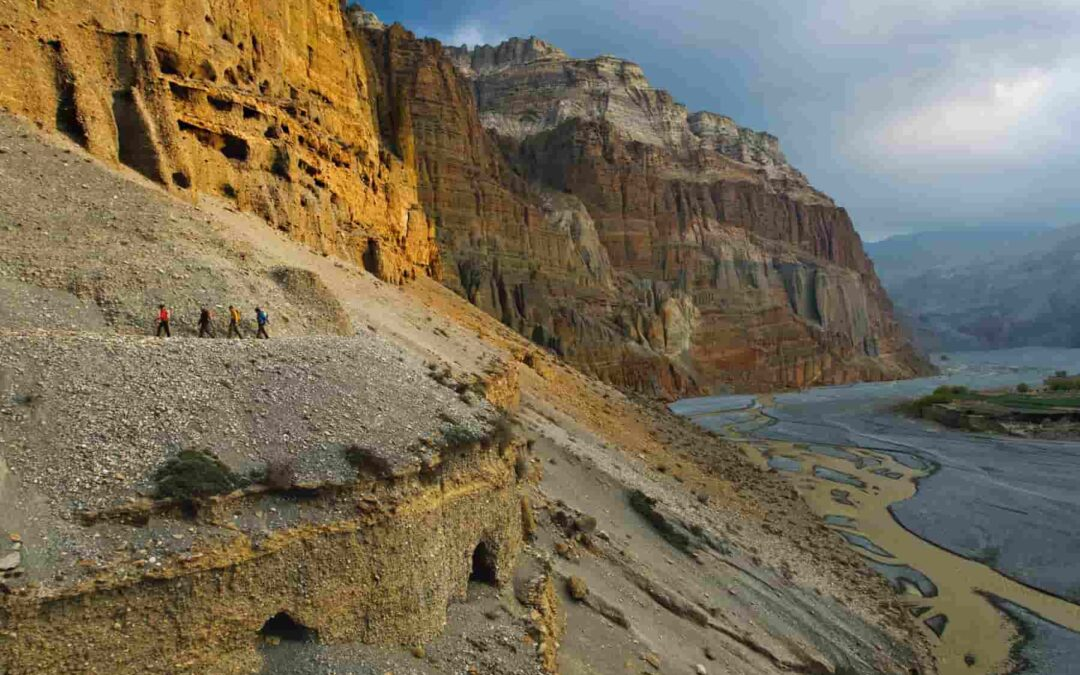 Archaeological Mystery: 10,000 Caves were Dug into the Himalayas Over 2,000 Years Ago