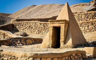 Deir el-Medina (Valley of the Artisans)