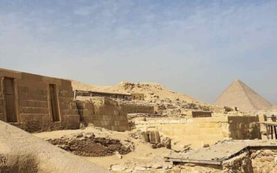 The town of the pyramids workers and their necropolis